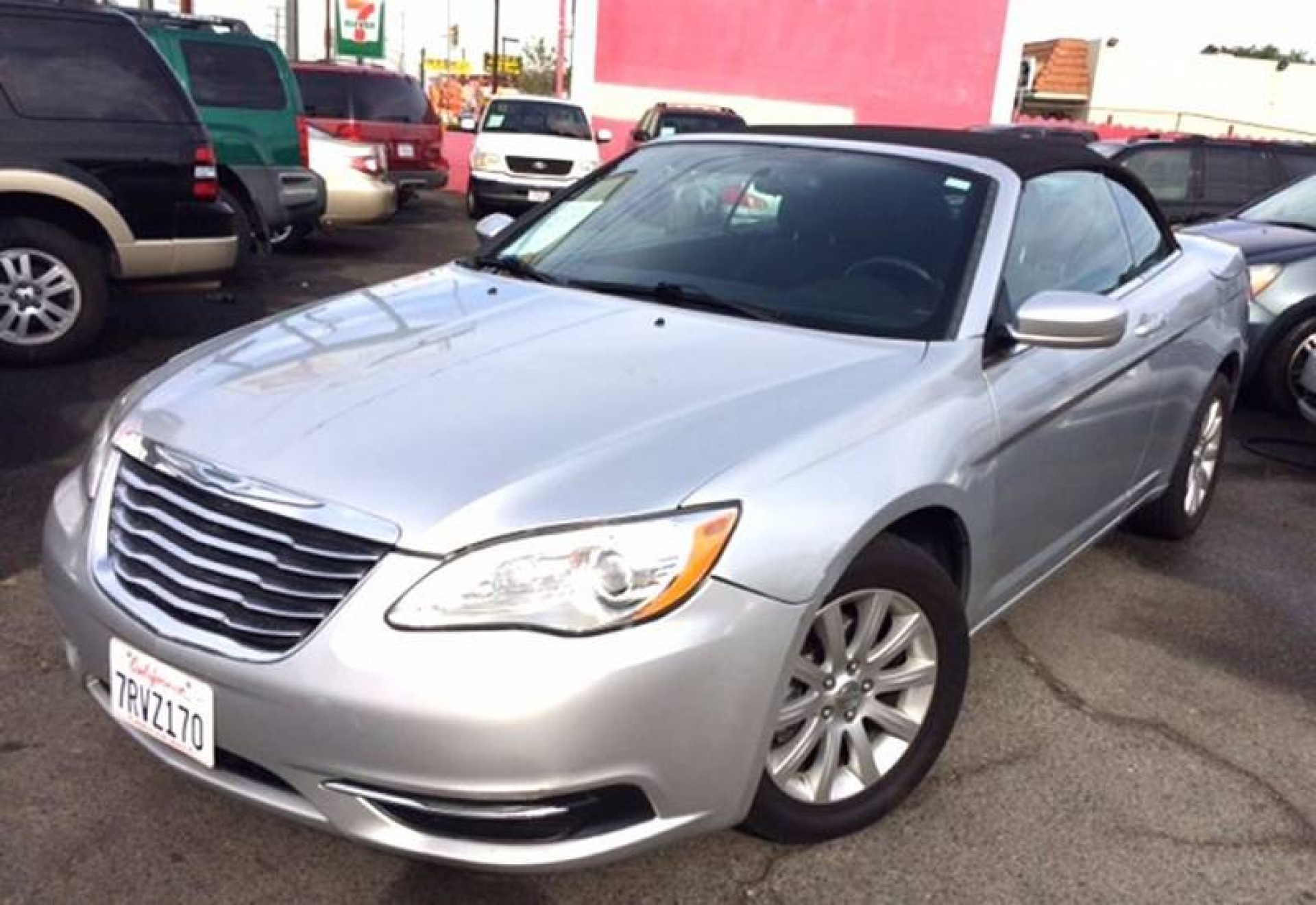 buy 2012 chrysler 200 convertible touring 2dr convertible for sale in carwhizzer. Black Bedroom Furniture Sets. Home Design Ideas
